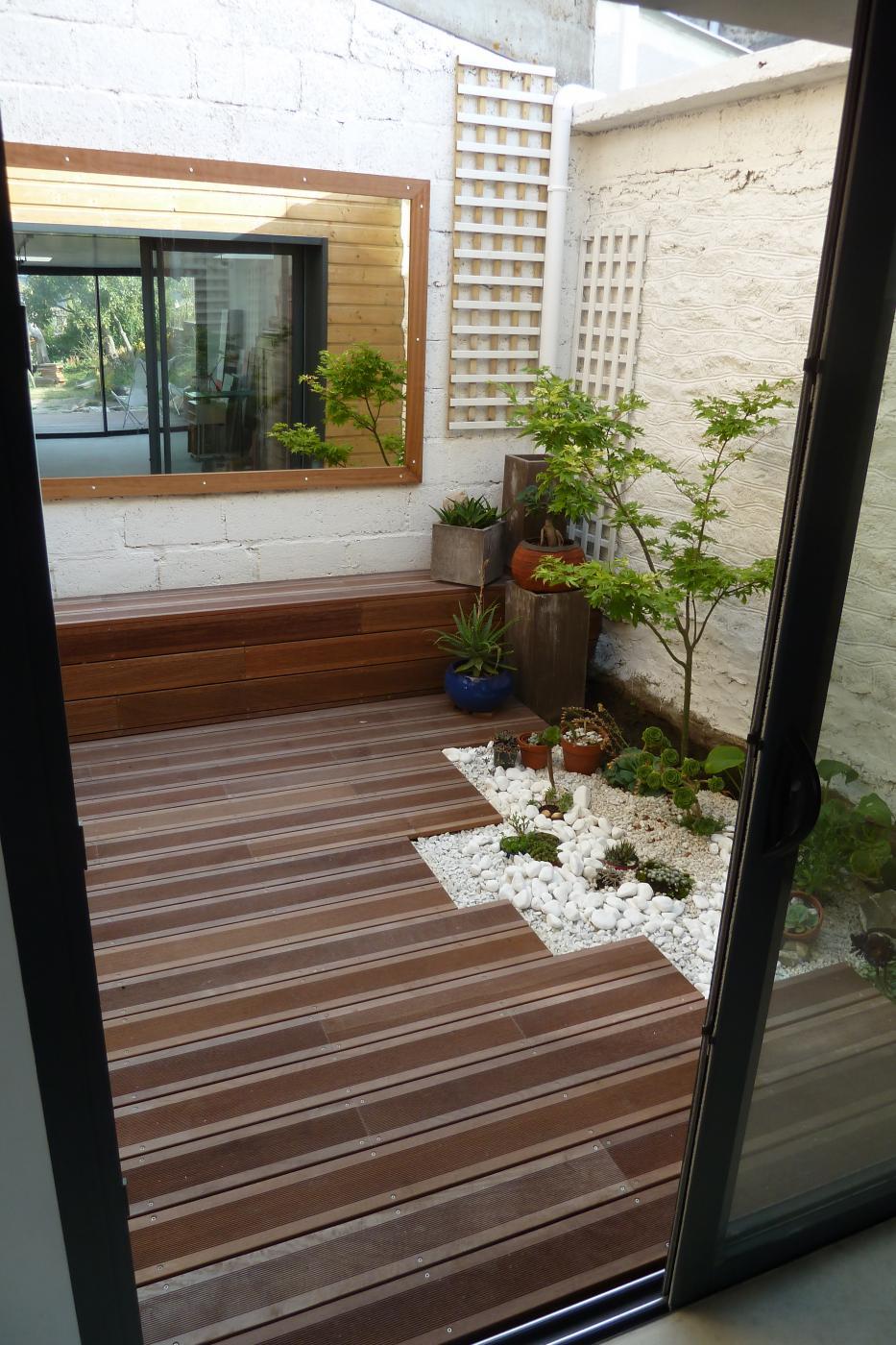 Accueil perrin menuiserie bois alu pvc charpente for Amenagement patio